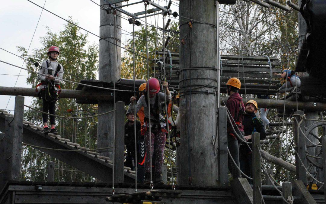 Teambuilding Aktion im Klettergarten